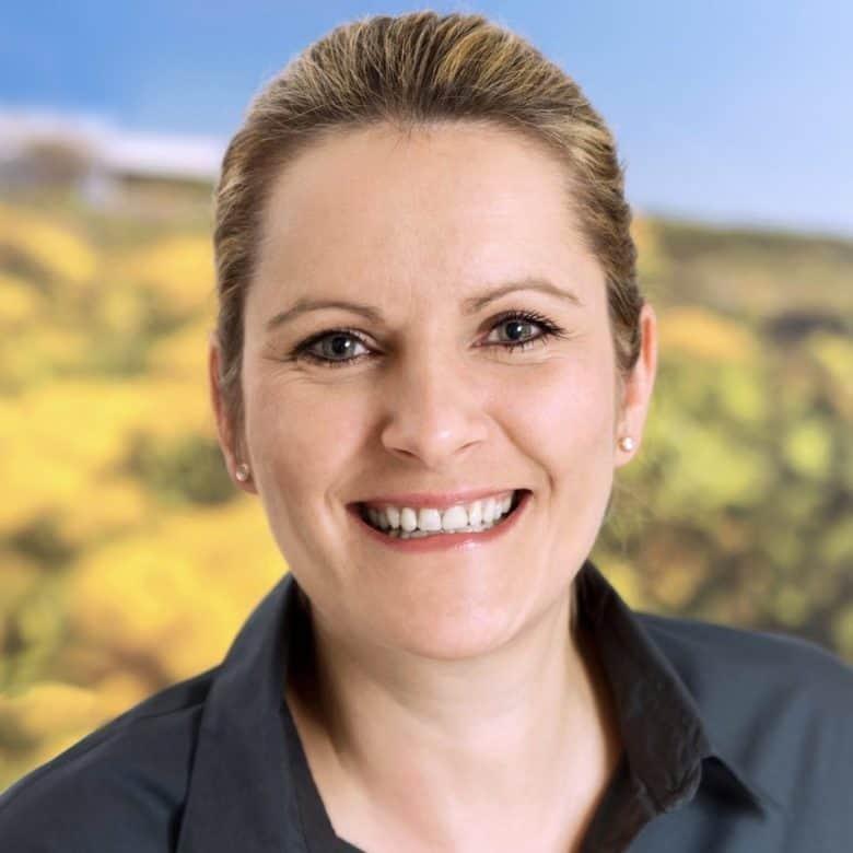 Alexandra Schmidt (Empfang, Verwaltung, Assistenz)