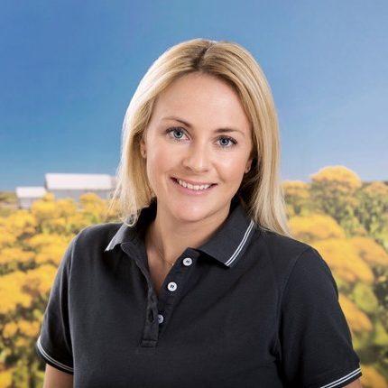 Lina Knees (Mitarbeiterin)